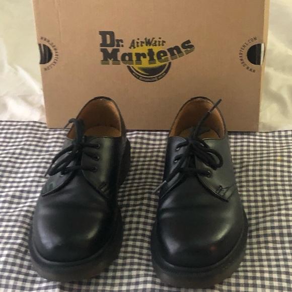 1c27f5cd264ac Dr. Martens Black Oxfords, Size 7